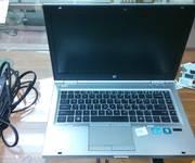 1 Laptop Hồng Việt giảm giá và bảo hành 12 tháng cho tất cả các dòng Laptop.