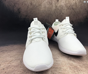 1 Nike roshe run two 844656-104 white black