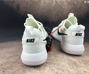 2 Nike roshe run two 844656-104 white black