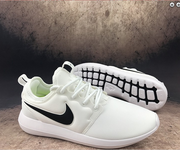 3 Nike roshe run two 844656-104 white black