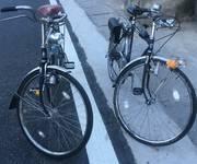 2 Xe đạp nhật cổ.