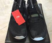 1 GIày lining size 41