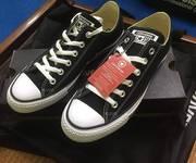 Thanh lý 2 đôi giày chính hãng mới tinh full box giấy gói