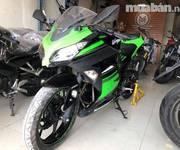Cần bán Kawasaki Ninja300abs 2016. xe mầu đen xanh. xe toàn trùm mềm ở gala, Odo 3k, mới lung linh