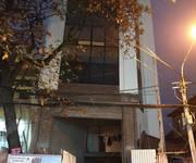 Cho thuê nhà mặt đường Hai Bà Trưng. MT: 7m, DT: 100m2 x 2 tầng tiện kinh doanh