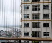 1 Cho thuê căn góc đầu hồi 3 ban công view sông Hồng  số 2004A2 tòa nhà Hòa Bình Green City