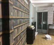 2 Chính chủ cho thuê phòng 38m2, mặt tiền Lý Văn Phức, Quận 1.