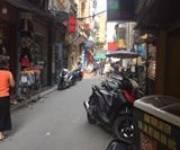 2 Thái Thịnh đang kinh doanh quán coffee, mt 5.7m. Đường 2 ô tô tránh nhau chỉ 2,x tỷ