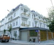 Bán Nhà phố cao cấp nằm ngay Phú Hòa