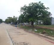 Đất ở đô thị mặt tiền đường nhựa dân cư đông đúc mà giá đất ở nông thôn.