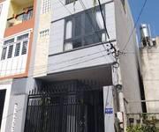 -Tôi cần bán nhà mặt tiền Lê Thị Hà, 1 trệt 2 lầu, giá 2,4  tỷ sổ hồng riêng,  -Diện tích: 5m x 20m.