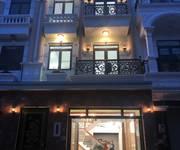 Bán nhà thiết kế theo kiến trúc bán cổ điển, sang trọng, diện tích 5,5m x 15m, kết cấu 3 lầu đúc