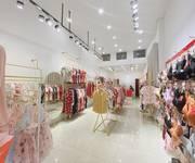 1 Sang Nhượng cửa hàng thời trang đường Kim Mã  ngã 4  Kim Mã- Núi Trúc