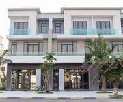 Cần bán shophouse 3 tầng mặt tiền chính ở Vsip Bắc Ninh cách Ninh Hiệp - Hà Nội 0.5km