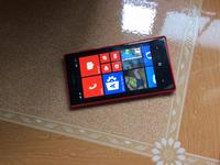 Cần bán điện thoại Nokia Lumia 720 đỏ