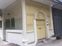 Chính chủ cho thuê tầng 1 nhà 2 mặt ngõ phố Núi Trúc, Ba Đình