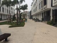 Chính chủ cho thuê biệt thự làng Việt Kiều 250 m2 X 3 tầng giá 35 tr/tháng
