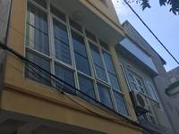 Cho thuê nhà liền kề ở trung yên 11 nhà 4 tầng x 125 m2 làm vp để ở.