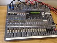 Bán mixer Tascam TM-D1000
