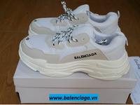 Giày Balenciaga Triple S trắng giá siêu rẻ cho cả nam và nữ