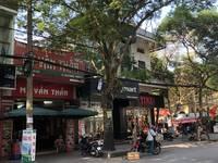 Cho thuê nhà mặt phố Trần Quang Khải. Mặt tiền trên 5m tiện kinh doanh.