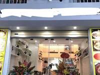 Cho thuê cửa hàng đẹp và mới tại mặt đường Nguyễn Trãi dt 50m2 x 3 tầng giá 40 tr/tháng...