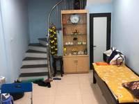 Cho thuê nhà đẹp, sạch sẽ trong ngõ phố Bà Triệu - đầy đủ đồ nội thất, gần hồ Hoàn...