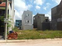 - Bán gấp 125m2 ở Bà Triệu, Hóc Môn, SHR,900TR,LH:0327989728