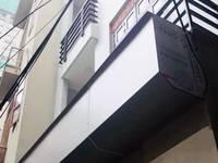 Bán gấp nhà Phố Nguyễn Trãi, 50m2, x4 tầng, MT5m, 5 phòng ngủ. Giá chỉ 4 tỷ.