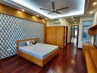 Cho thuê 2 phòng tầng 4 nhà số 703 Hoàng Hoa Thám