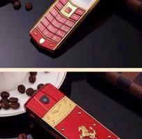 3 Điện thoại Vertu A8 dùng 2 sim,lịch lãm,đẳng cấp và sang trọng giá 550.000. LH 0909459649