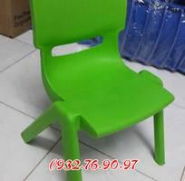 Ghế nhựa đúc nhập khẩu dành cho các bé trường mầm non