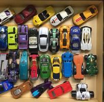3 Bán  xe Hotwheels   tủ kính trưng bày