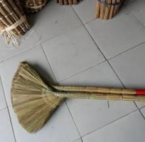 1 Chổi bông cỏ, chổi cỏ cán nhựa, chổi dừa