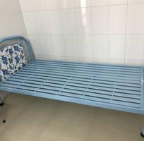 Bán giường sắt 1mx2m new 99%