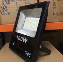 Đèn led pha công suất 100w 0.5 cao cấp