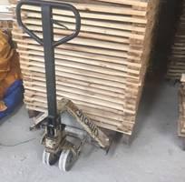 4 Xe nâng tay xì nhớt bơm không lên- sửa xe nâng ở Củ Chi