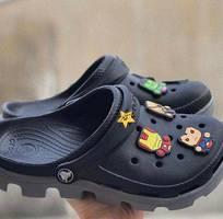 13 Dép Crocs hàng có sẵn tặng kèm sticker