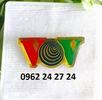 1 Sản xuất logo công ty, huy hiệu cài áo, ve cài áo, biển trống tên đeo áo, bán huân chương