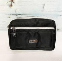 1 Túi đeo chéo kiểu ngang màu đen phối dây kéo bạc sáng TDC0008