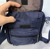 1 Túi đeo chéo màu xanh navy vải dù thời trang TDC0013