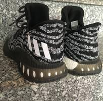4 Adidas crazy bán ngay một đôi duy nhất