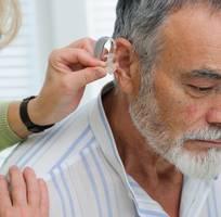 1 Cách chọn máy trợ thính cho người già