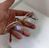 9 Có  3  cái kính cổ mới về bọc vàng  có đầy dủ hết, 2 cái ESSEL và 1 cái Nylor. Tất cả đều  của Pháp.