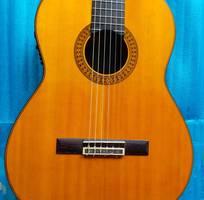 1 Bán Yamaha clasical guitar model C 80