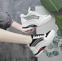 2 Giày thể thao hình shop tự chụp 100
