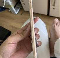 1 Apple iphone 8 plus 64g vàng hồng quốc tế