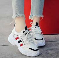 1 Giày  thể thao nữ
