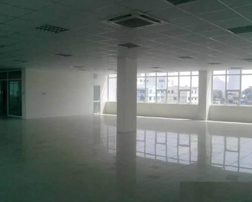 Cho thuê văn phòng trung tâm quận Hoàng Mai - 150.000/m2 đã có VAT, phí dịch vụ