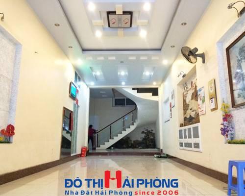 Cho thuê nhà nguyên căn 5 tầng mặt đường ĐÀ NẴNG, mặt tiền 5m, nhà mới, vị trí KD đẹp